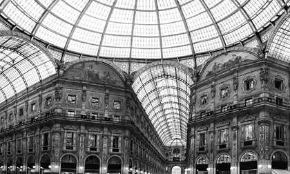 Shopping art gallery in Milan, Galleria Vittorio Emanuele II, Italy