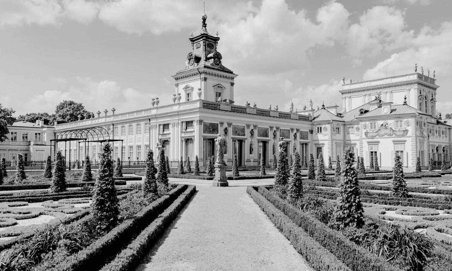 Facade view of the royal wilanow palace in baroque style