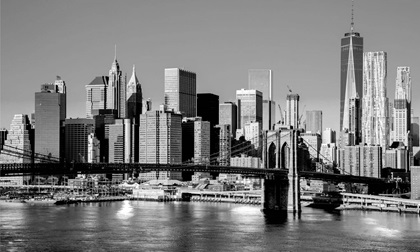 skyline of downtown new york brooklyn bridges